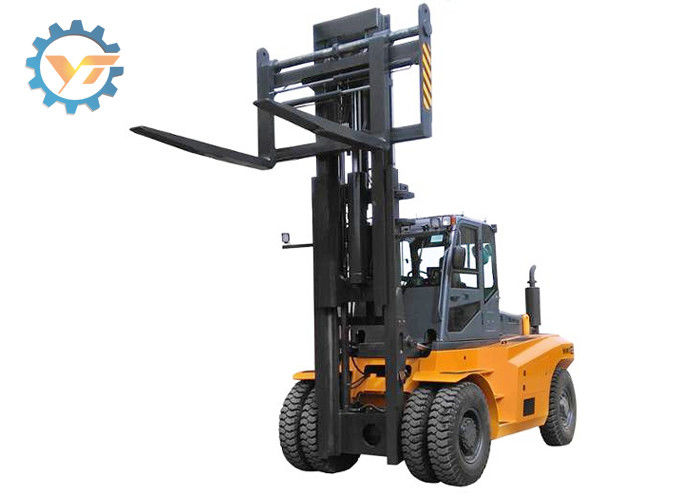 Hydraulic Diesel Engine Warehouse Forklift Truck FD120 High Efficiency Operation